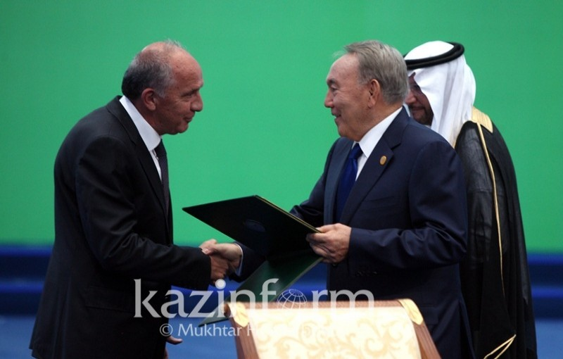 Prof. Yusuf Yagci has receieved the Science & Technology award from Organization of Islamic Cooperation (OIC) during the First Science & Technology Summit held in Astana. The award was presented by the the president of Kazakhistan, Nazarbayev.